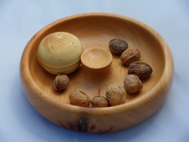 Nichoir en bois tourne - Casse noix en bois ...